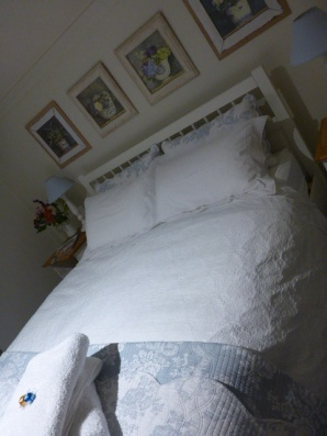 Comfy Bed at Mornington Cottage