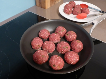 Cooking the meatballs