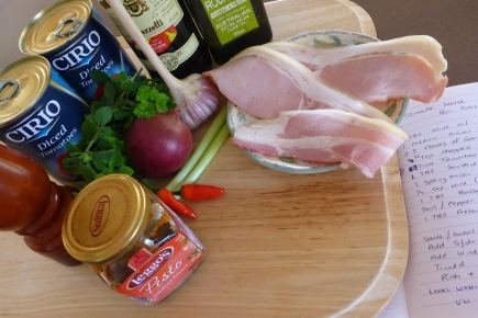 Some of the ingredients to use when making a great pasta sauce.