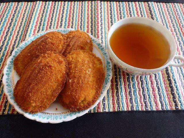 Honey and Lavender Madeleine Cakes  minus the Lavender